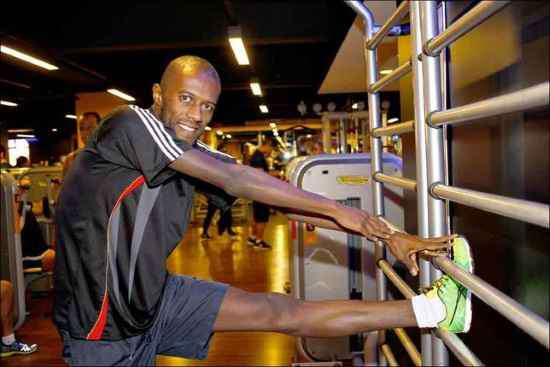 Atleta profissional, Cassio Mota quer correr maratonas e tem a musculação como sua aliada